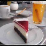 Kaffee und Kuchen bei Oma Erika