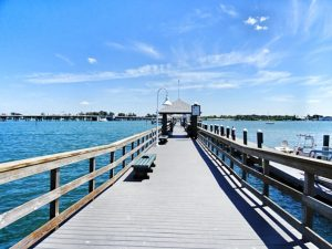 Go from Tampa to Key West by car and stop at Bradenton Beach Pier! #travel #florida #usa #thingstodo #roadtrip