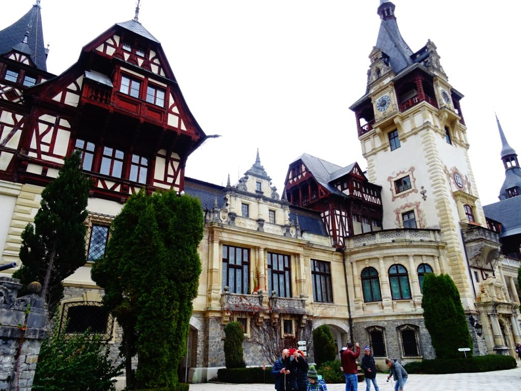 Day trips from Brasov - Castle Peles #romania #sinaia #thingstodo #travel