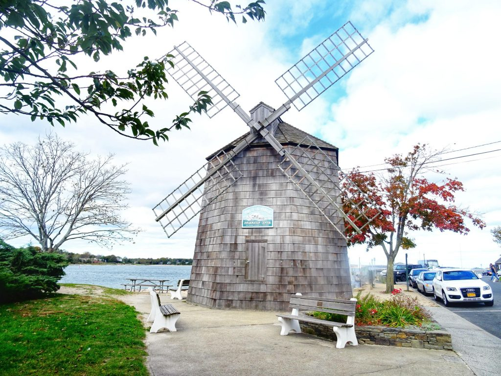 Explore Long Island - Sag Harbor - Windmill - New York #thingstodo #travel #solo