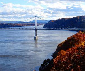 Explore Newburgh, New York - Walk Over the Hudson River Valley #travel #solo #usa #thingstodo #indiansummer