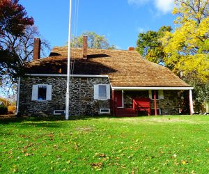 Explore Newburgh, New York - Washingtons Headquarters in Hudson River Valley #travel #solo #usa #newyork #americanhistory #thingstodo #indiansummer