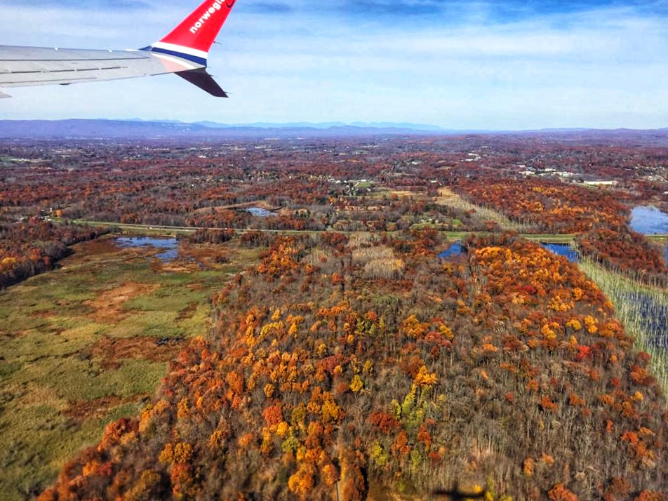 Leaving Newburgh, New York - Plane View #travel #solo #usa #indiansummer #plane #thingstodo