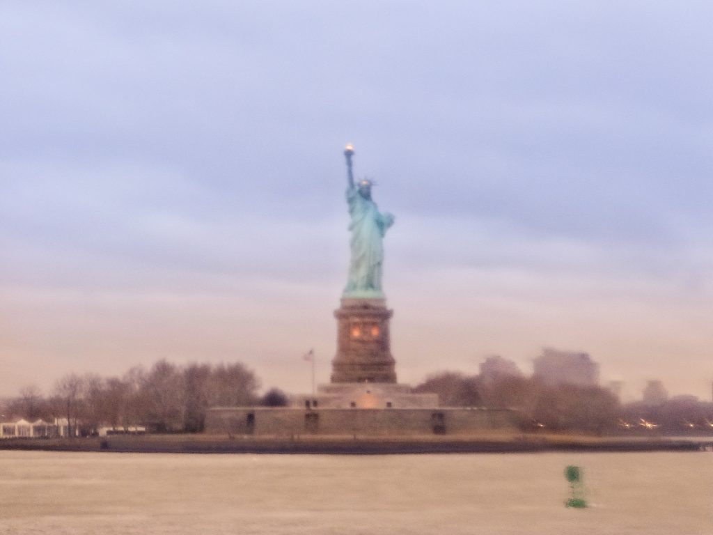 New York City - Statue of Liberty #replica #statueofliberty #travel #solo #usa #nyc #thingstodo