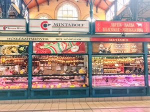 Traveling Hungary: One of the best things to do in Budapest. A culinary tour to the Great Market Hall