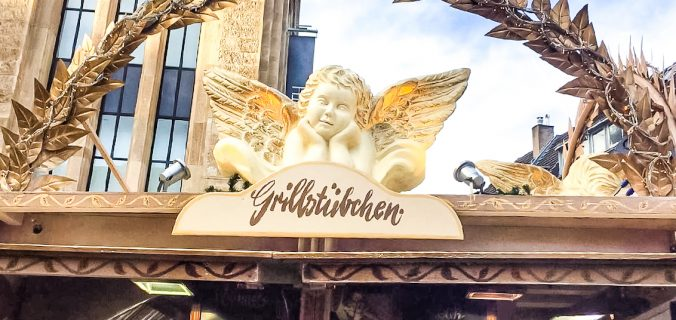 Explore Christmas Market in Düsseldorf and have a magical time in the festive season! Perfect for a weekend getaway, a stop on a road trip through Germany, or just a day trip vacation! #travel #thingstodo