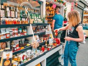 Find exclusive spices, and loads of salt variations at Inka & Mehl at Carlsplatz! Things to do and places to go when traveling to Düsseldorf! #Germany #Europe #travel