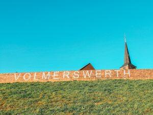Walk alongside the Rhine from Düsseldorf Flehe, to Vollmerswerth, and Hamm. #travel #Germany #walkingadventure