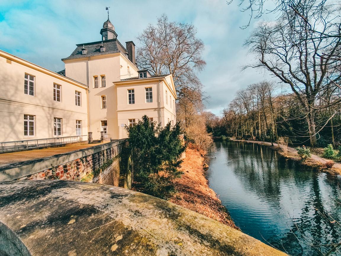 Visit Castle Eller and Gardens. #travel #düsseldorf #germany