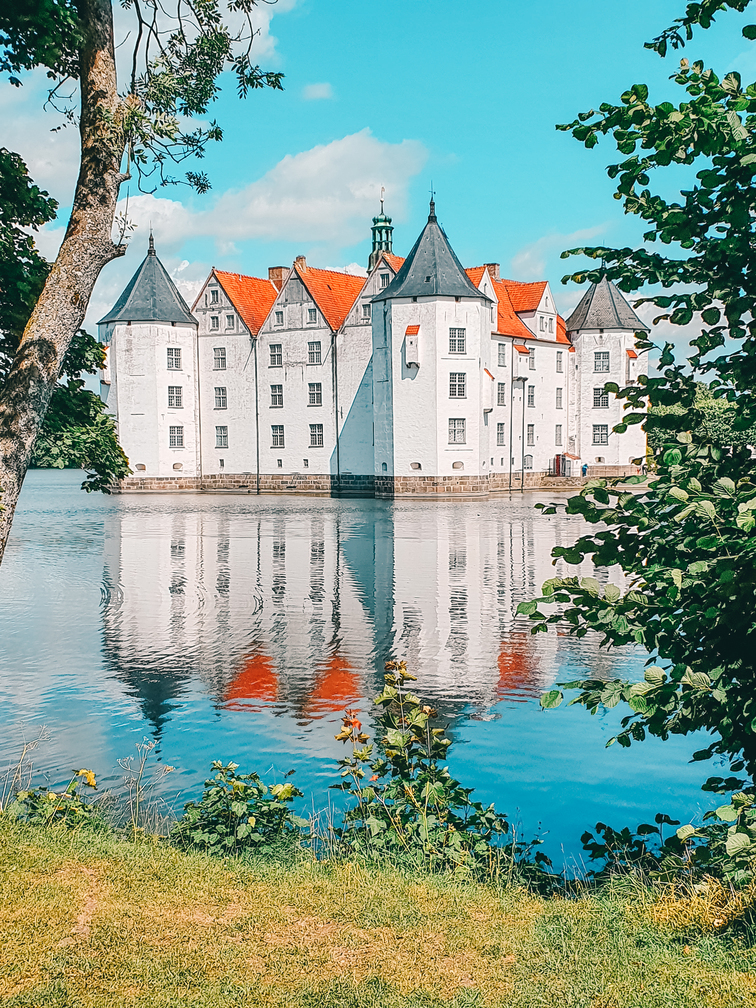 The ultimate day trip from Flensburg! Glücksburg and Holnis Peninsula! Travel Baltic Sea Coast in Schleswig-Holstein!